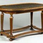 Ovális asztal