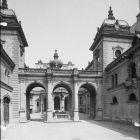 Architectural photograph - courtyard of the Károlyi-Csekonics palace (Budapest, Múzeum u. 17.)