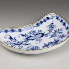 Bone dish - With the so-called onion pattern or Zwiebelmuster (part of a tableware set for 12 persons)
